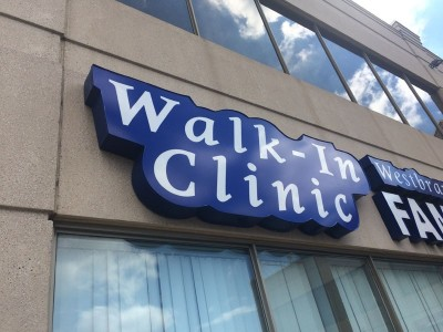 channel-letters-walk-in-clinic-Toronto